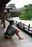 仁和寺で佇む